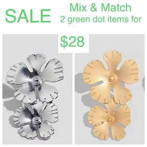 Jewelry - 🟢2/$28  EARRINGS double flower gold or silver